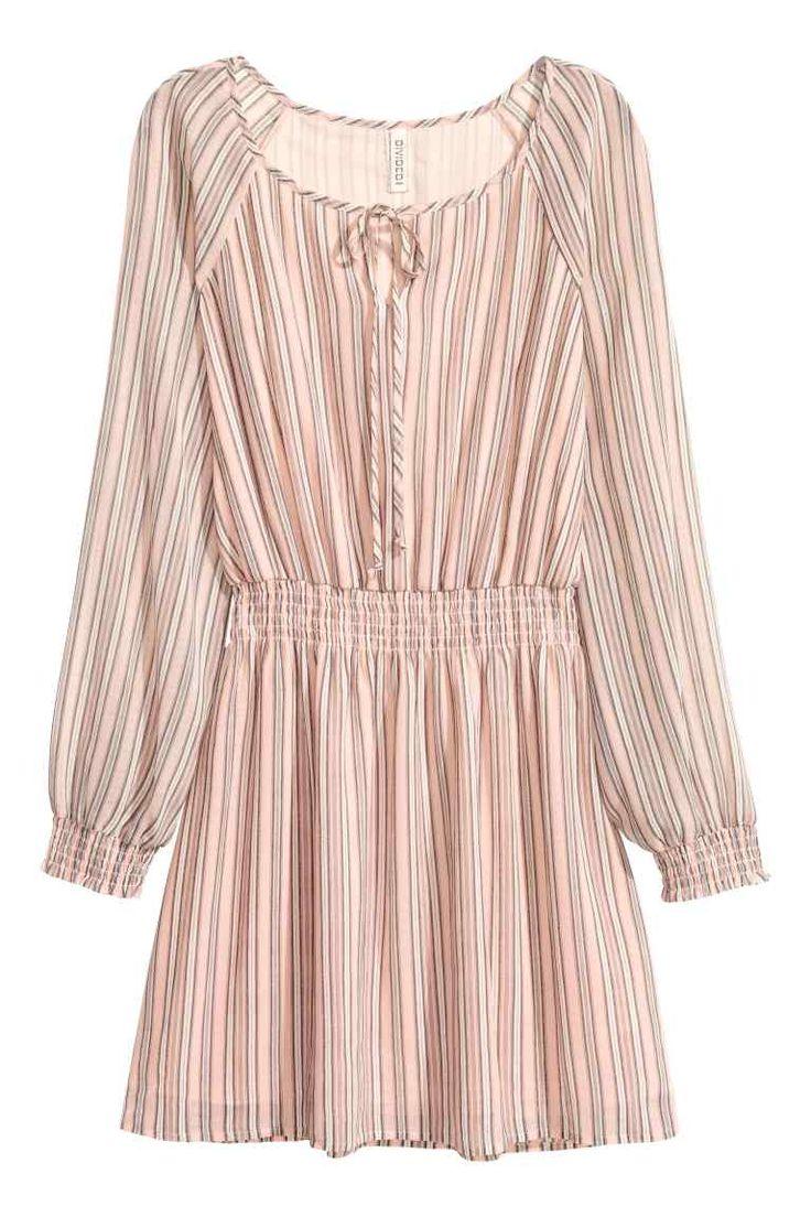 Robe courte en mousseline   H&M