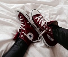 can't wait to get my burgundy converse!!!!!!!!!!!!!!!!!!