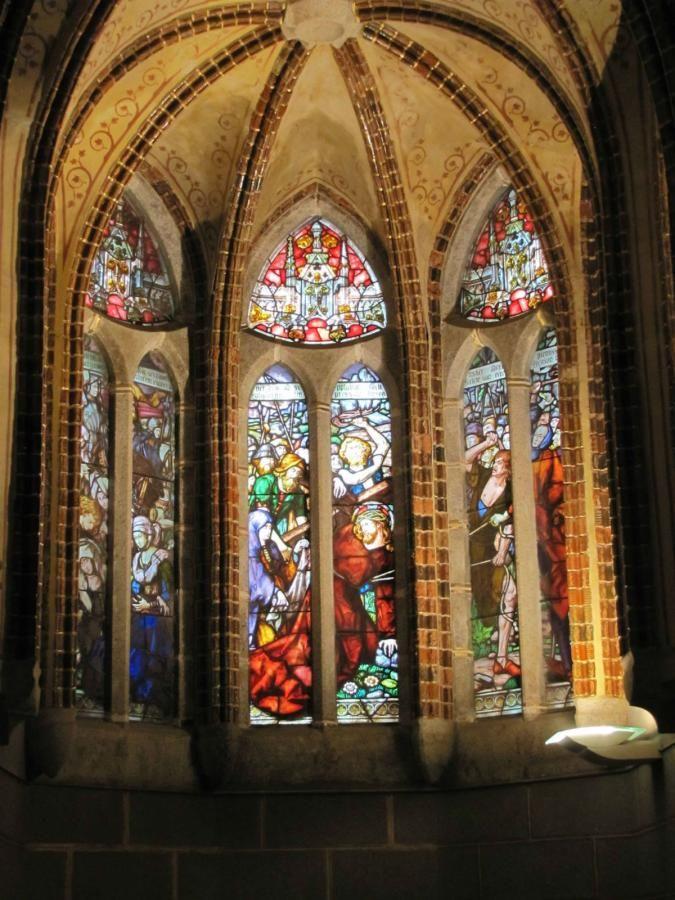 Una empresa conquense restaurará las vidrieras del Palacio Episcopal de Astorga - Detalles - Voces de Cuenca