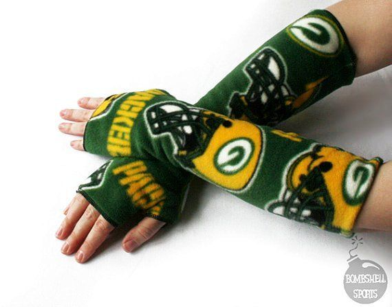 armwarmers fingerless gloves handmade with Green Bay Packers fleece - bombshellsports | cute sports! by charaeb