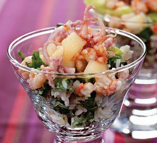 Салат с креветками и копченым осьминогом