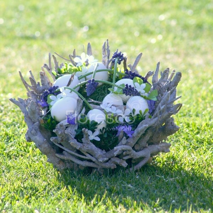 Jarní dekorace hnízdo z větviček