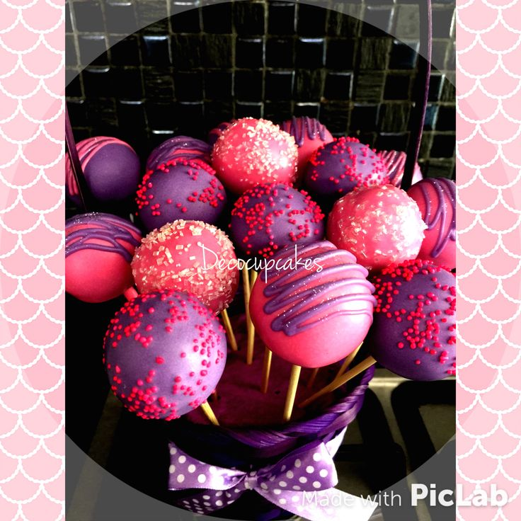 Pink and violet cakepops
