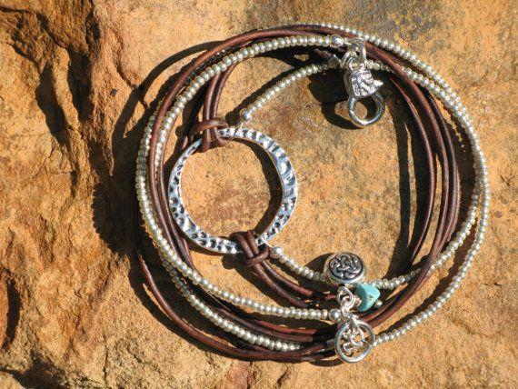 Occidental de Boho cuero y plata pila pulsera o por fleurdesignz