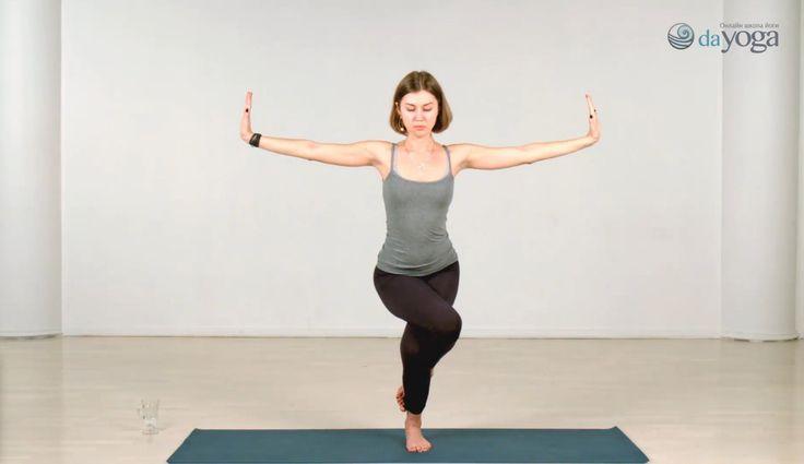 Юлия Лемешко - сертифицированный и опытный специалист. Преподает хатха йогу йогу. Уроки: http://dayoga.ru/teachers/yuliya_lemeshko