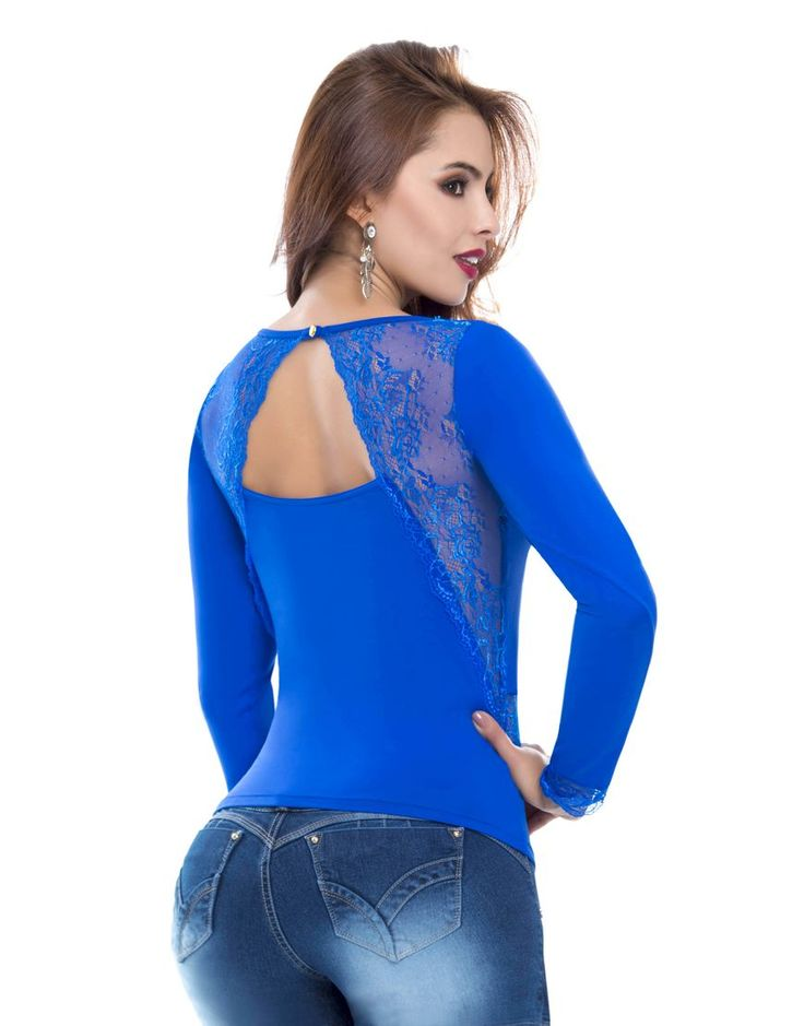 Blusa BL-4031-AZ Blusa tono azul, manga larga, con detalles en blonda