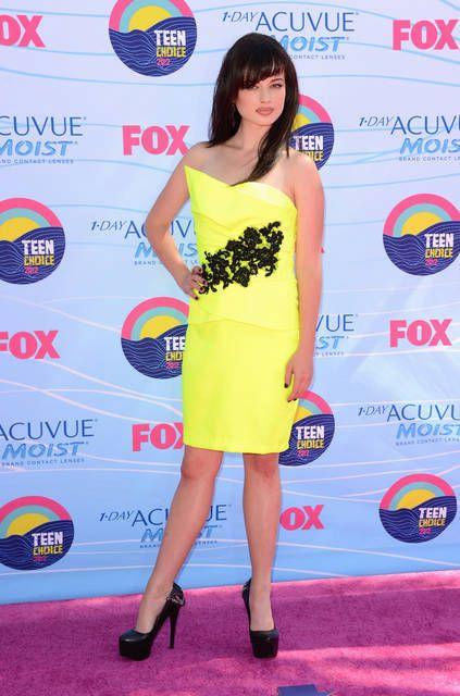 Ha interpretato Samantha Walker nella serie tv One Tree Hill