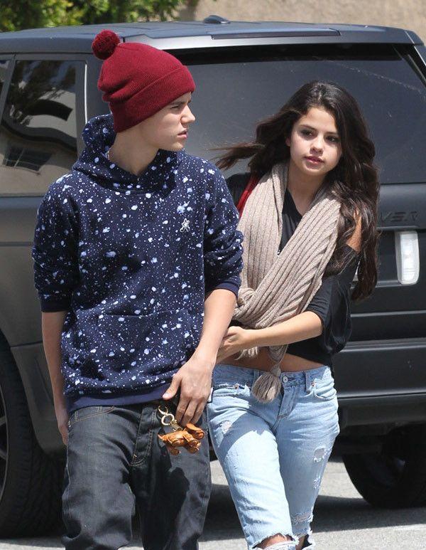 Selena Gomez and Justin Bieber  (FameFlyNet)