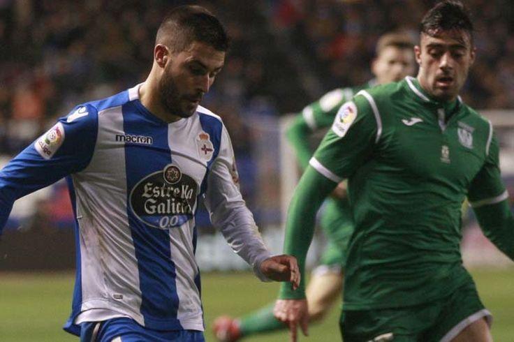 Carles Gil logró hacer olvidar a Fede Cartabia, que hasta ahora era uno de los más destacados del Deportivo  | patricia g. fraga