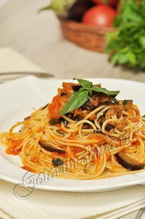 Рецепт: Паста с баклажанами в томатном соусе