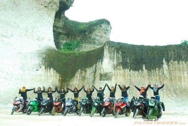 SunMoRi Lady Biker Penunggang MoGe S'MOC (Sexy MotoLady Community) goes to Bukit Jaddih - Madura