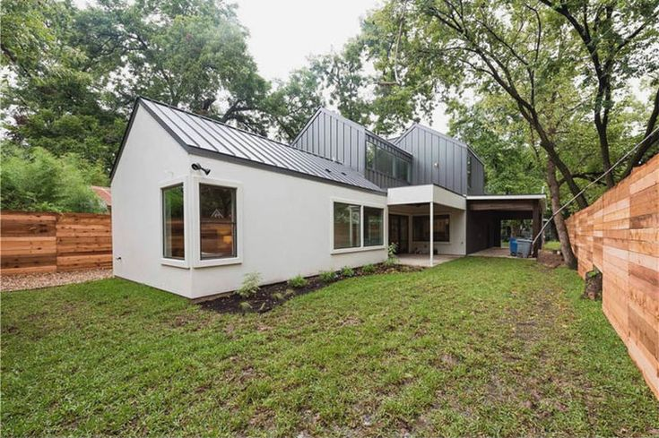 While some people think that the Modern Farmhouse trend is getting a little  long in the tooth, I still think it's a great look. This one is rare in  that it's in Hyde Park, a neighborhood primarily known for it's historic  homes.  Price: $859,000  Details: 2,410 sq. ft. 4 Bed, 3 Bath