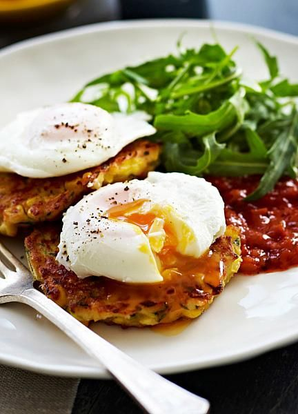 Low FODMAP and Gluten free Vegetarian recipe - Quinoa & spinach fritters with eggs & tomato chutney www.onesano.com/...