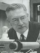 Peter Debye (1884-1966). Professor für Physik. Nobelpreis für Chemie. Porträt aus dem Bildarchiv der ETH-Bibliothek.