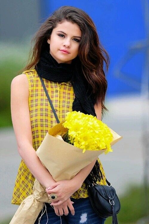 Beautiful Hollywood Actress Selena Gomez, age, Instagram