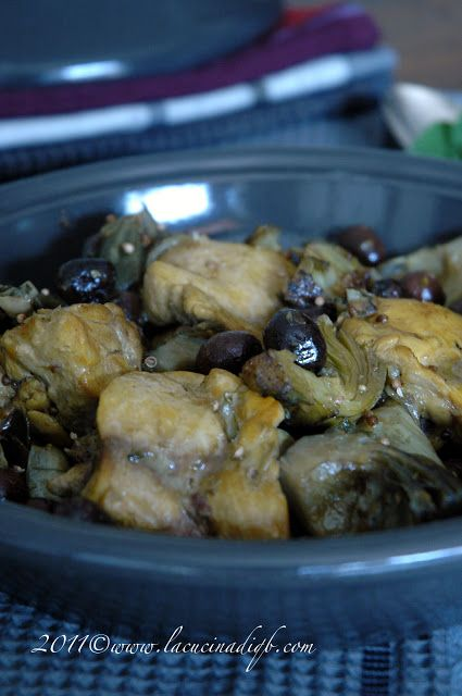 Tajine di pollo profumato con carciofi e olive da La cucina di qb