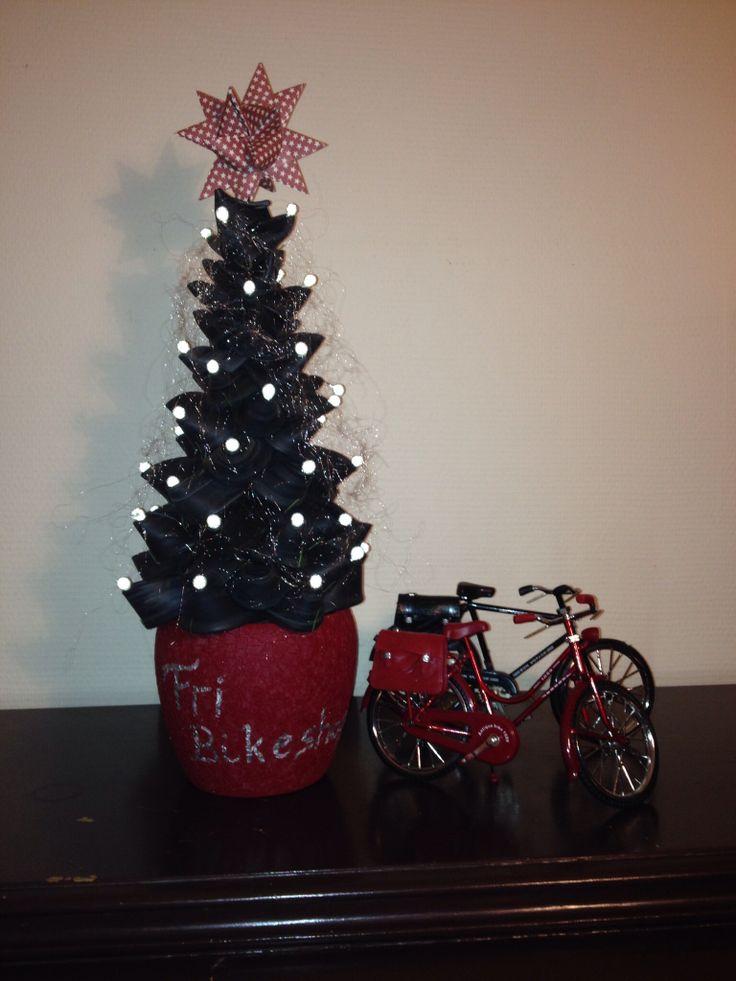 Juletræ af cykelslanger