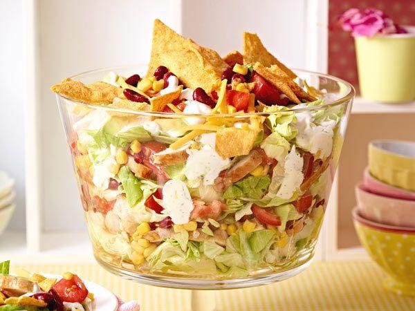 Partyrezepte zum Vorbereiten - lecker und praktisch! - mexikanischer-schichtsalat  Rezept