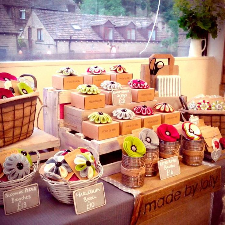 Having an individual box for each cake as its stand, easy ready packaging! - Craft Stall Display using wooden crates, and baskets