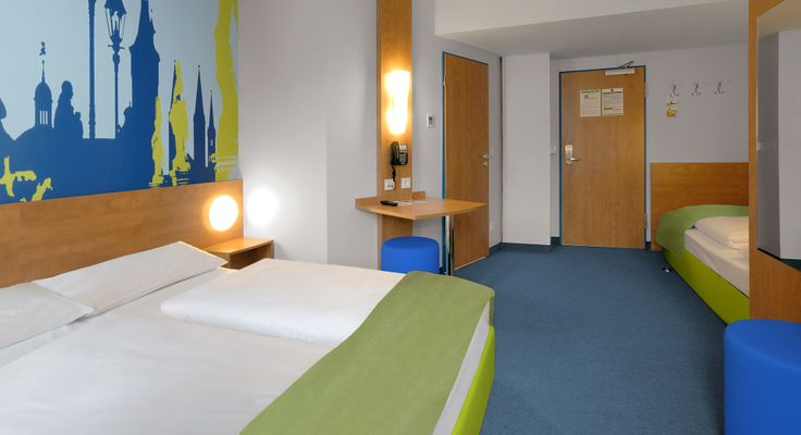 Dreibettzimmer im B&B Hotel Würzburg