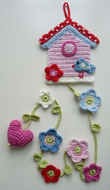 Birdhouse and cute little girl purses on her website