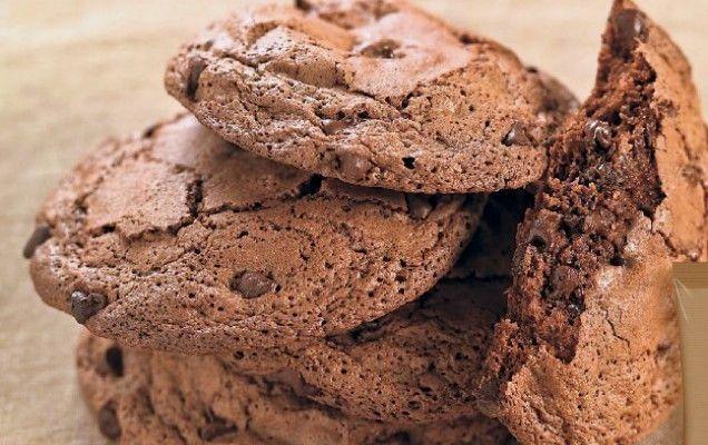 Σοκολατένια μπισκότα με κομματάκια σοκολάτας