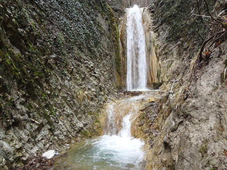 Водопады в Мельничной щели