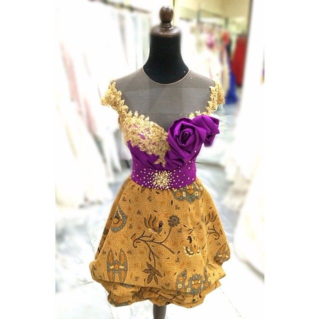 dress by Hendra Arifin
