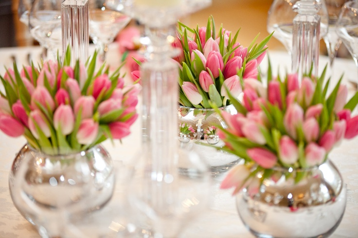 pink tulips spring table decorations table decorations. Black Bedroom Furniture Sets. Home Design Ideas