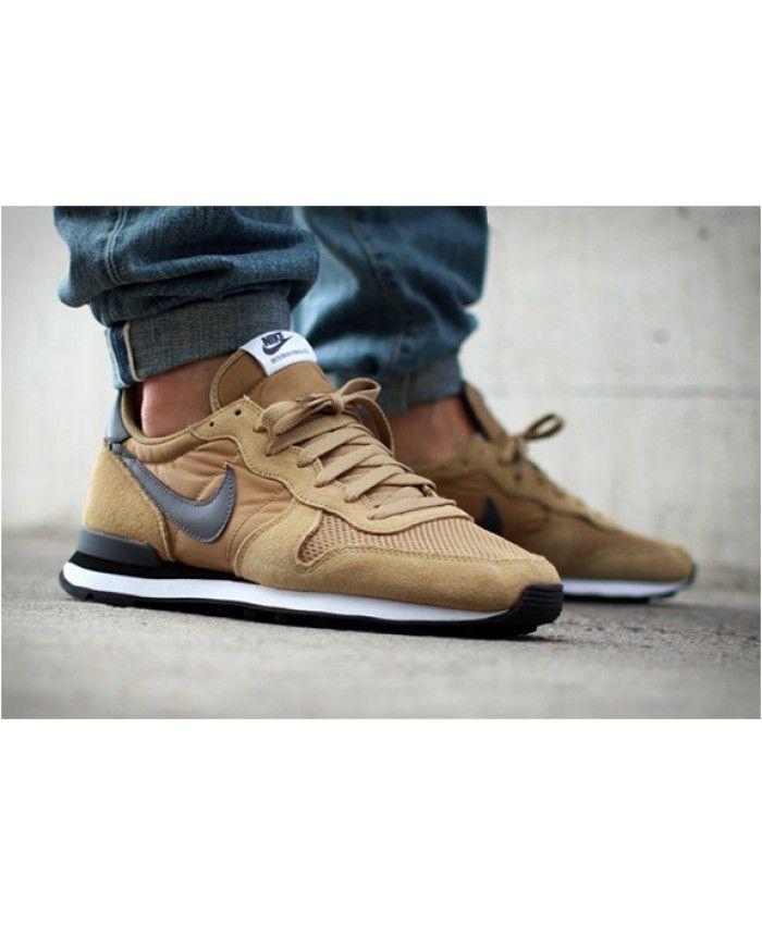 buy online 5b001 0bece Nike Internationalist Hay Brown Trainer