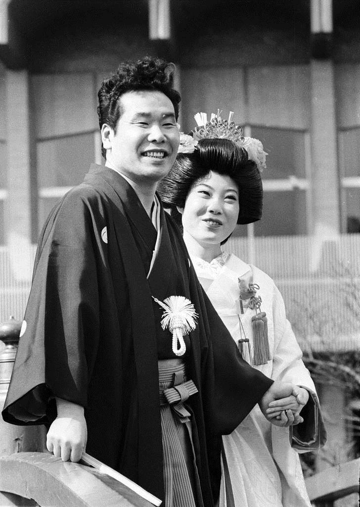 失恋続きの車寅次郎を演じた渥美清は昭和44年、実生活で結婚式を挙げ ...