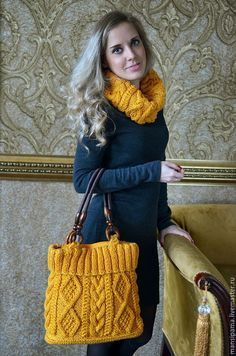 Knitted set: bag + scarf