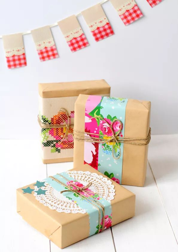 Beautiful gift wrap accents