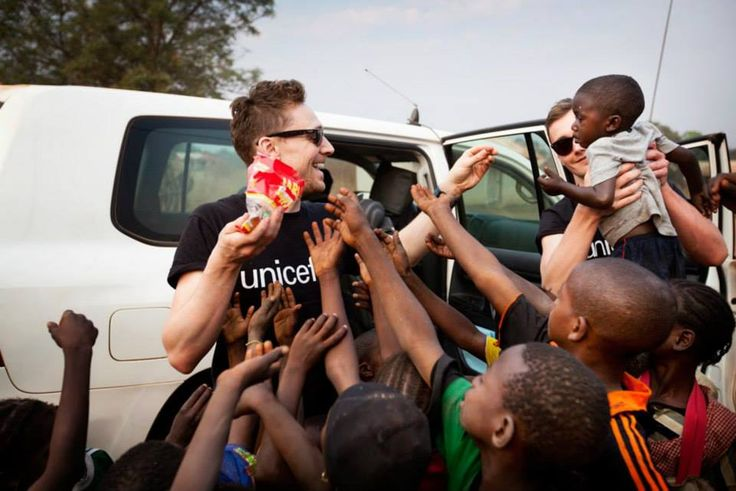 Tom Hiddleston in Guinea for UNICEF