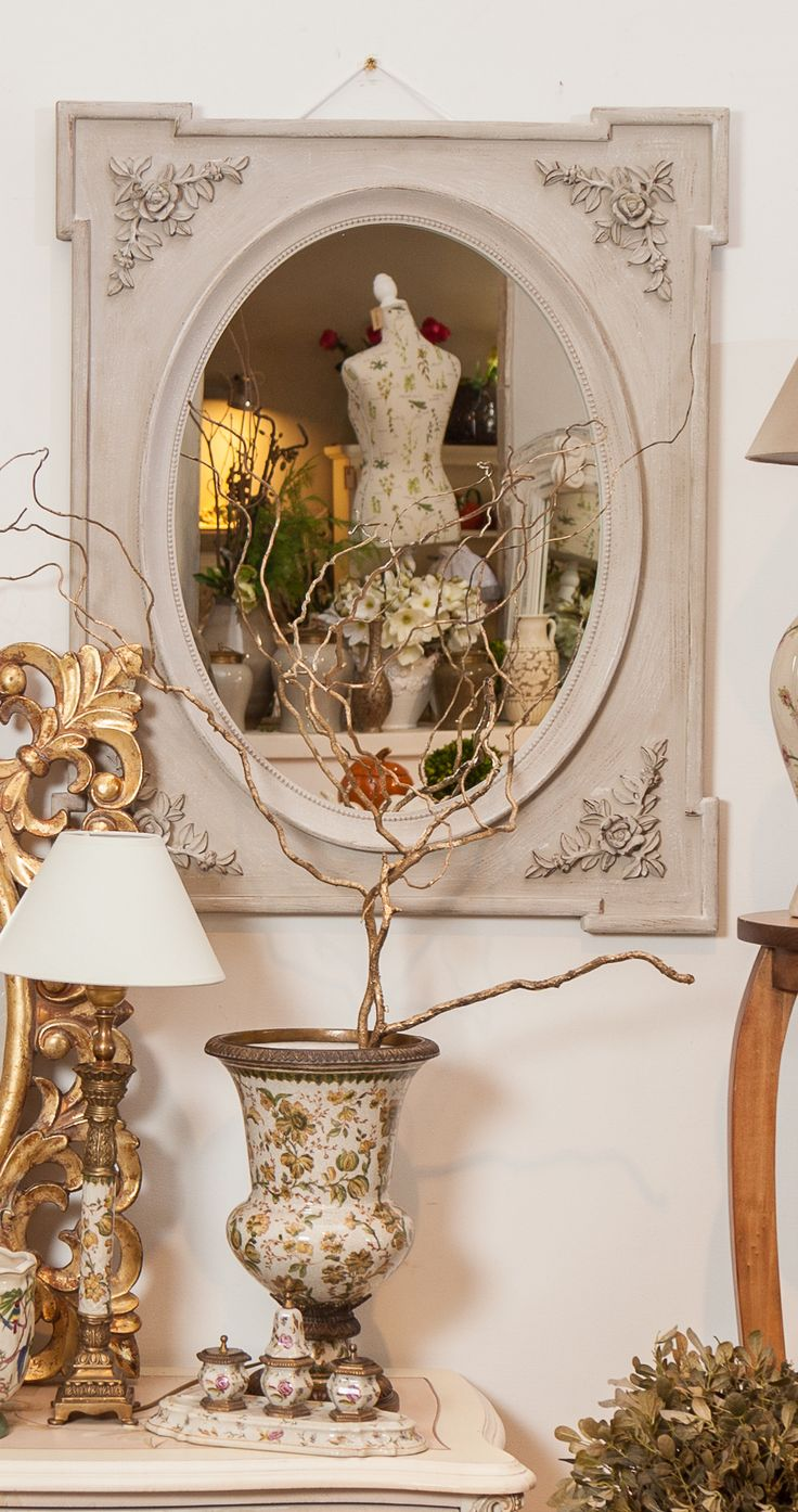 Shabby Chic Vintage Mirrors, Elegant Luxury Vases and Golden Framed Mirrors