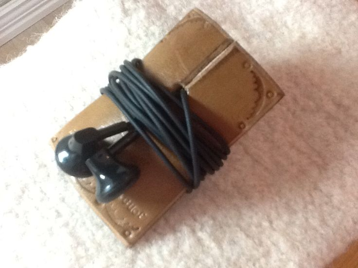 Earplug-holder in leather.  Wery easy to make.