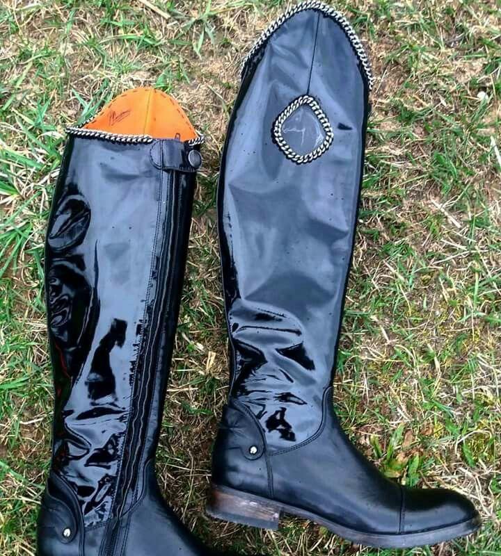 Новое направление... Кожаные сапоги для верховой езды, ручной работы.  Приглашаю к себе в студию, где можно приобрести или заказать индивидуально одежду, обувь, кожаные изделия, ручной работы. (ТЦ.Зеркало, 2 этаж, пав.68в) +37529 7790513  #studiokhmelenko #rebel #designershoes #Хмеленко #handmadeshoes #ridingboots #дизайнерскаяобувь #обувьручнойработы #сапогидляверховойезды #конныйспорт #конныесапоги #horsestyle #ridingstyle #womenstyle