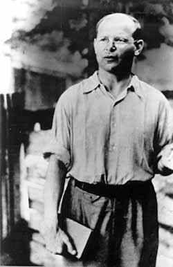 Bonhoeffer in the courtyard of Tegel prison (summer, 1944)  source: Christian Kaiser Verlag