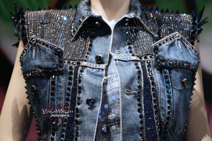 Rockeuse de diamant - Jean clouté et cristaux Swarovski -  Exposition Jean Paul Gaultier - Grand Palais - Paris