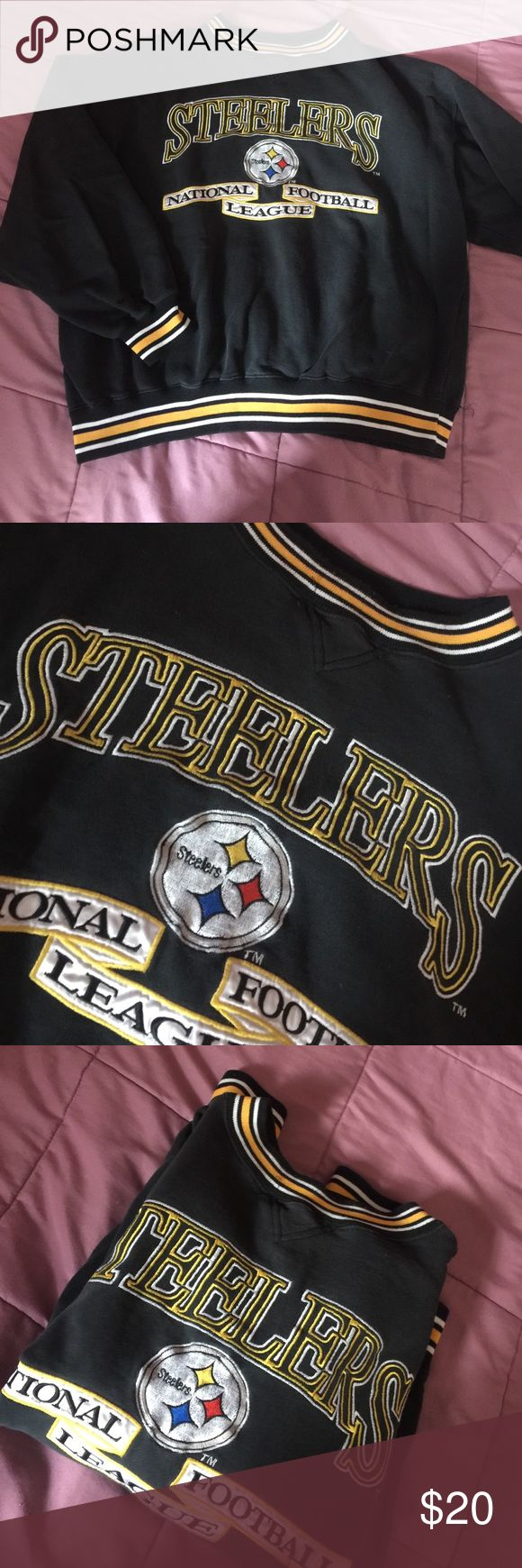 Vintage steelers crew neck Great condition. Oversized sweatshirts looks super cute and vintage with a pair of jeans or leggings. Vintage Sweaters