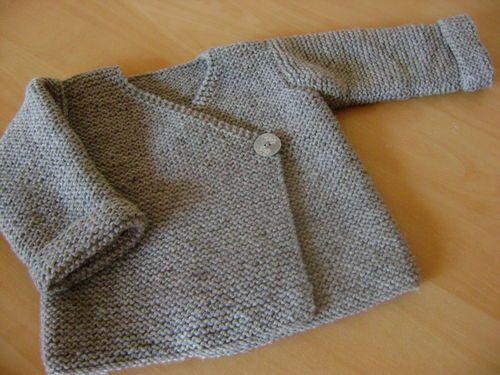 veste cache-coeur ,livre tricots intemporels pour bébés