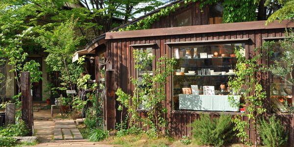 奈良には古民家を改装したカフェやギャラリーのように洗練されたカフェなど、オシャレなカフェがたくさんあります。奈良の定番観光スポットとあわせて、奈良のカフェ巡りも楽しんでみてはいかがでしょうか。