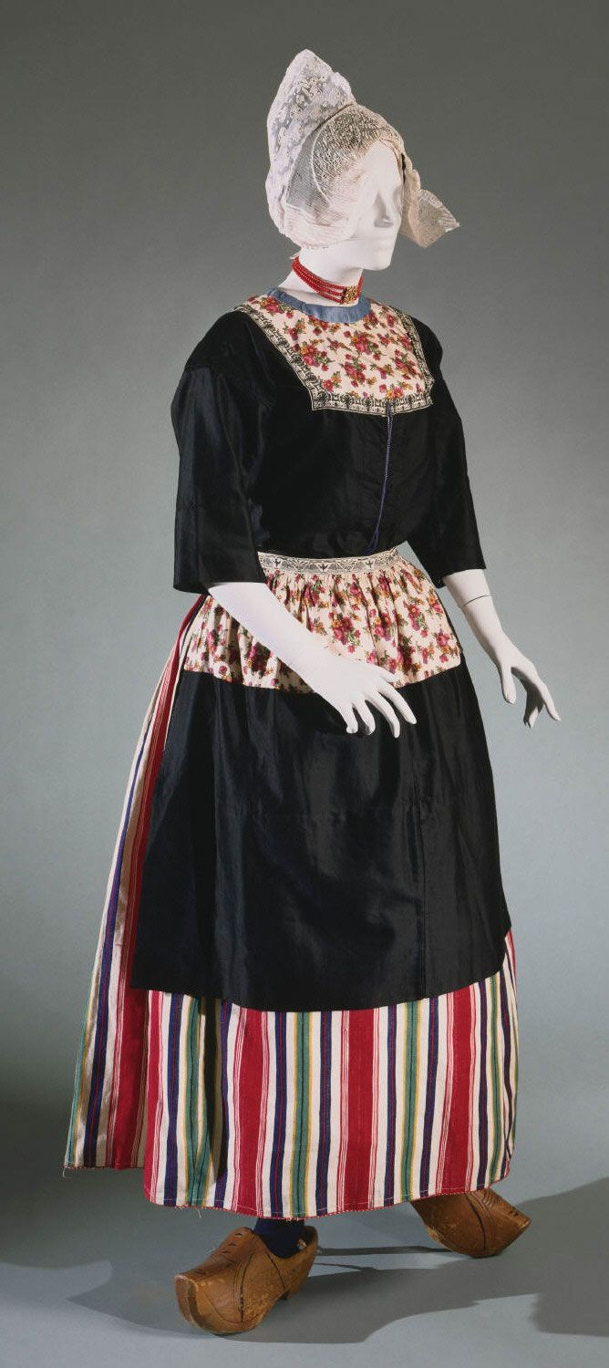 Bridal and Festival Ensemble for a Dutch Woman from Volendam: Skirt, Blouse, Dickey, Apron, Scarf, and Cap (two) Artist/maker unknown, Dutch 1926
