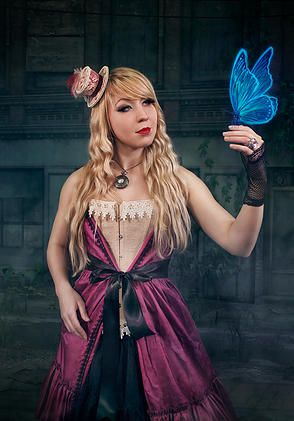 Lorieneta, singer of the gothic rock band Tezaura