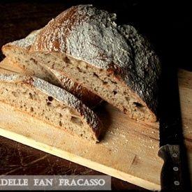 Pane ciabatta veloce. Condivisa da: http://lepadellefanfracasso.blogspot.it