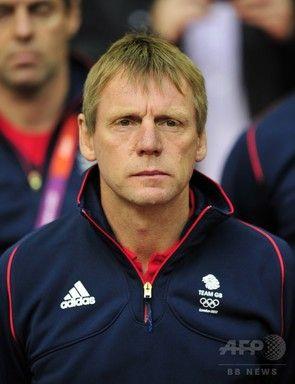 【3月13日 AFP】サッカー元イングランド代表主将のスチュアート・ピアース(Stuart Pearce)が12日、「イングランド最悪」とやゆされるノンリーグのチームに手を差し伸べるため、53歳で現役復帰を果たした。
