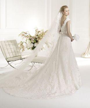 Atalier/Avenue Diagonal esküvői ruhák