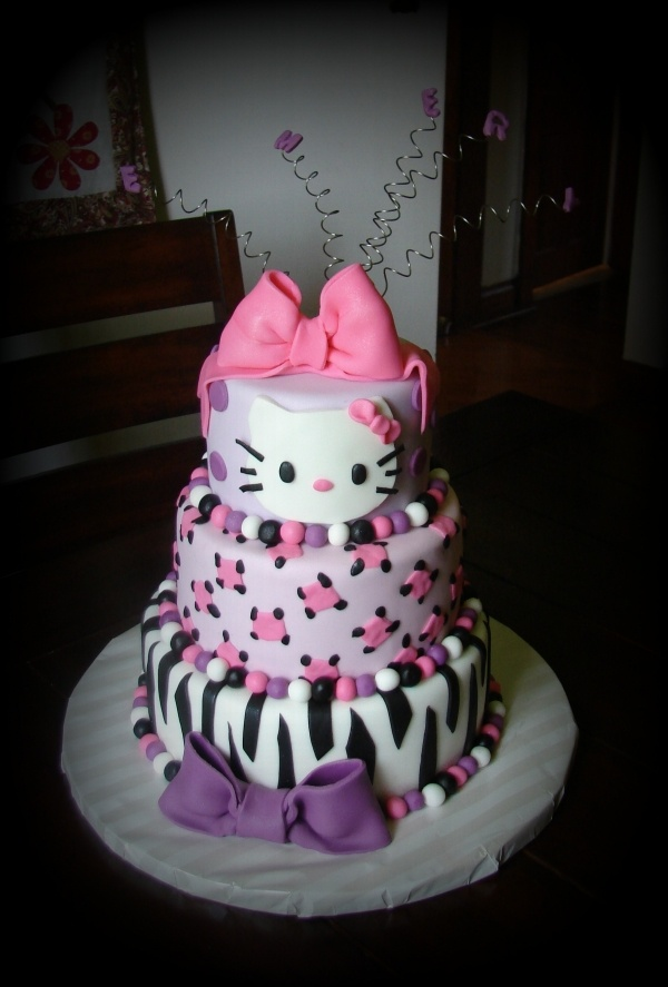 297 best Hello Kitty Cakes images on Pinterest Hello kitty cake