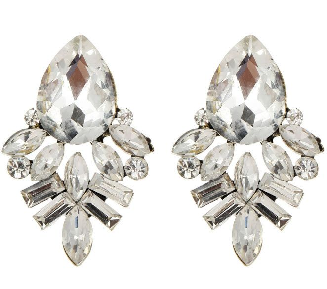 Juilanne: Earrings like this usually are painful to wear for a long amount of time. We guarantee that these are super lightweight and fun to wear no matter how hard or how long you dance. Not to mention, they're gorgeous.