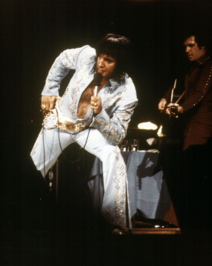 Elvis Presley live in concert - afternoon Show Madison Square Garden June 10, 1972 - NY   The original schedule was Friday night and 2 shows on Sat. When demand for tickets exceeded the limit, they added the Sunday matinee. There was no Sunday evening show.   http://www.elvis-collectors.com/forum/viewtopic.php?f=1&t=88684